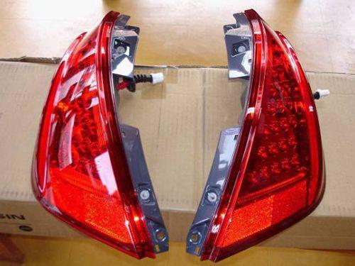 ◇日産ムラーノUS 新品 後期LEDテール(ウインカー車検対応)